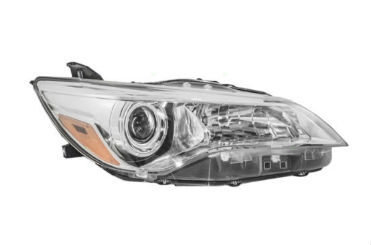 15-17 Camry Headlight Right SE/XSE W/Bulbs
