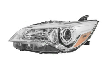 15-17 Camry Headlight Left SE/XSE W/Bulbs