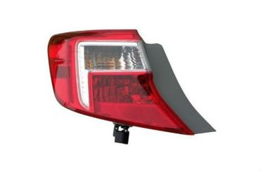 12-14 Camry Tail Light Left