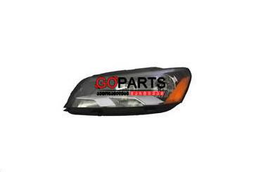 12-15 Passat Headlight Left W/Bulbs