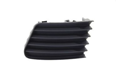 11-14 Prius V/ALPHA Bumper Fog Cover W/O Fog Right