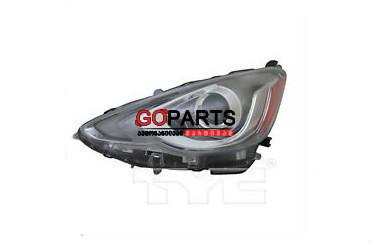 15-17 Prius C Headlight Left W/Bulbs